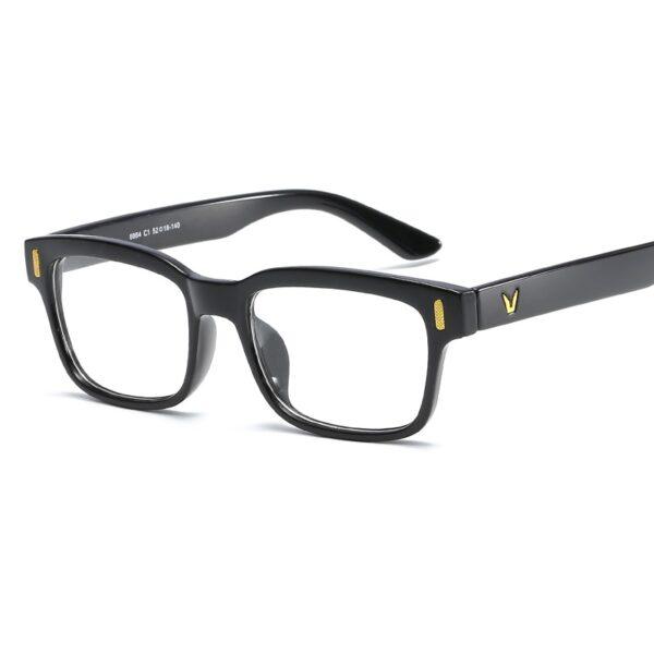 Alege ochelari uVision Retro Black pentru ati proteja vederea de lumina albastra a calculatorului.