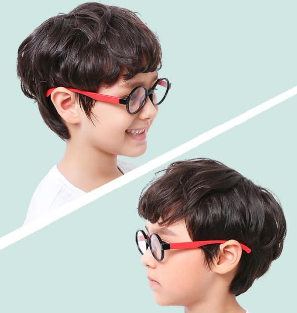 Alege ochelari uVision Harry Kids pentru a proteja vederea copilului tau de lumina albastra a calculatorului.
